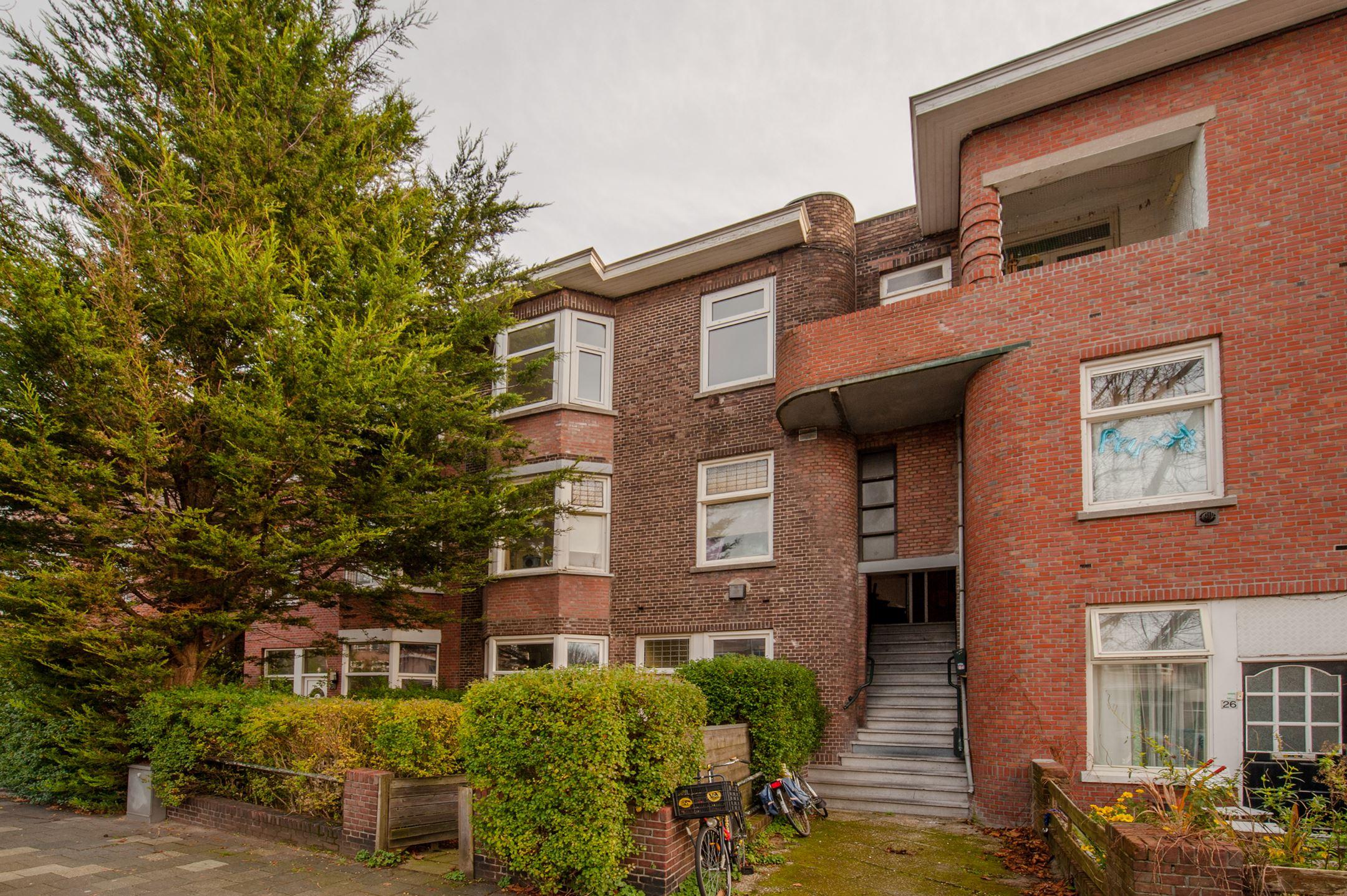 Gezellig 3-kamer appartement op de bovenste woonlaag met balkon aan voor en achterzijde (ochtend- en avondzon) gelegen in het gewilde Voorburg